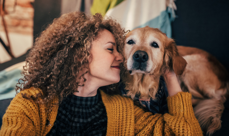 8 Reasons To Live With A Pet